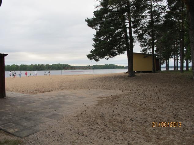 Vi ungdomar gick till stranden :)